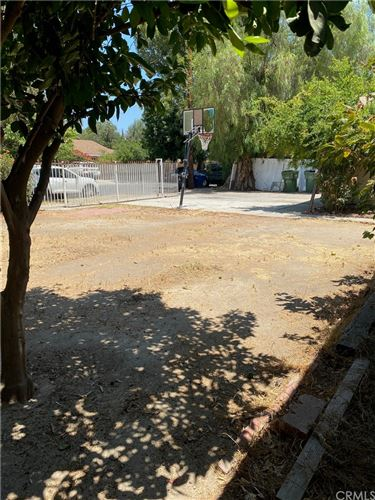 Photo of 18646 Ingomar Street, Reseda, CA 91335 (MLS # AR21159407)