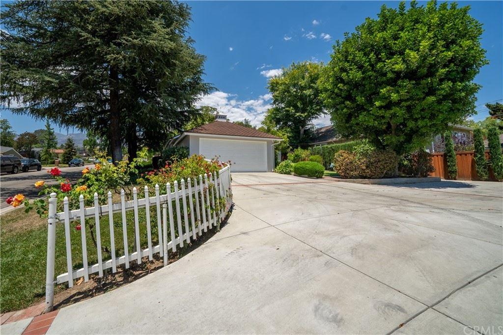 Photo of 1132 Atlee Drive, La Canada Flintridge, CA 91011 (MLS # PW21146407)