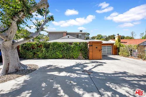 Photo of 4015 Beverly Glen Boulevard, Sherman Oaks, CA 91423 (MLS # 21705408)