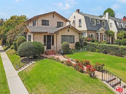 Photo of 957 S Windsor Boulevard, Los Angeles, CA 90019 (MLS # 21734408)