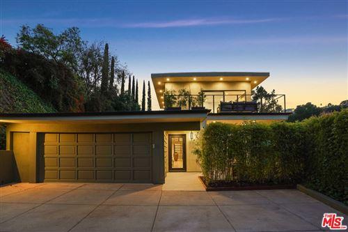 Photo of 14928 Jadestone Drive, Sherman Oaks, CA 91403 (MLS # 21793408)