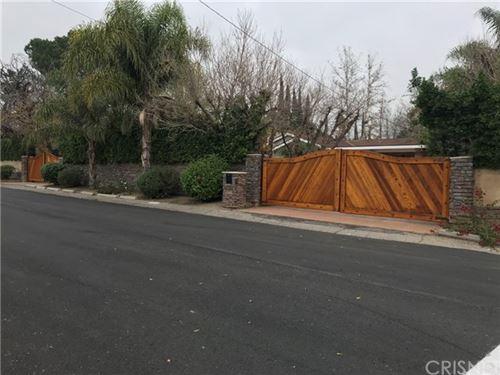 Photo of 8500 White Oak Avenue, Northridge, CA 91325 (MLS # SR20218408)