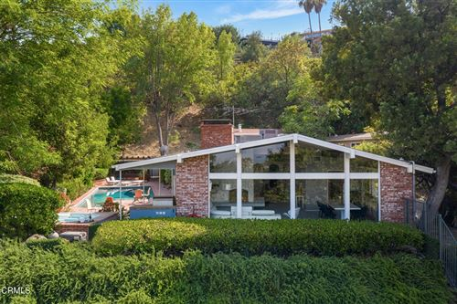 Photo of 17846 Cathedral Place, Encino, CA 91316 (MLS # P1-6411)