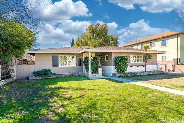Photo of 14044 Sylvan Street, Valley Glen, CA 91401 (MLS # SR21033411)