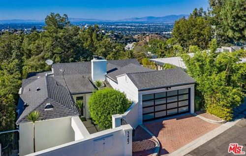 Photo of 3463 Wonder View Place, Los Angeles, CA 90068 (MLS # 20648412)