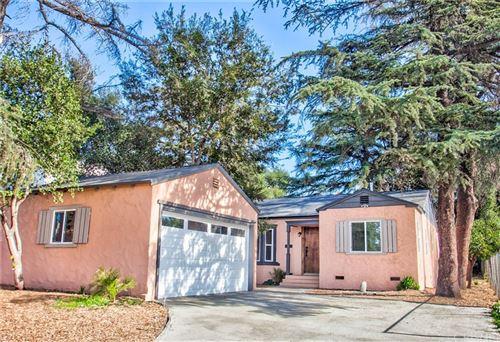 Photo of 2116 Casitas Avenue, Altadena, CA 91001 (MLS # SR21215412)