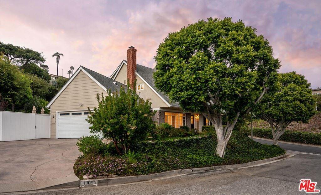 Photo of 1100 Las Pulgas Place, Pacific Palisades, CA 90272 (MLS # 21783412)