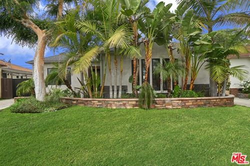 Photo of 1917 S POINT VIEW Street, Los Angeles, CA 90034 (MLS # 20573414)