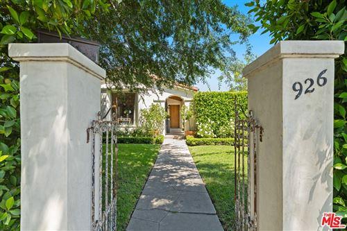 Photo of 926 S Highland Avenue, Los Angeles, CA 90036 (MLS # 21761414)