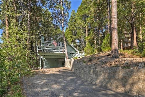 Photo of 400 Terrace, Lake Arrowhead, CA 92352 (MLS # EV21162414)
