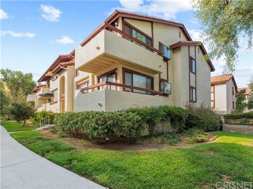 Photo of 18182 Sundowner Way #1027, Canyon Country, CA 91387 (MLS # SR20195414)