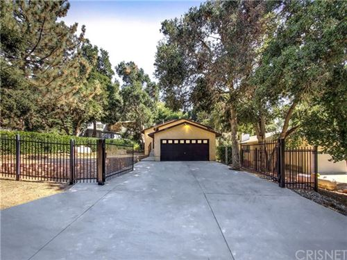 Photo of 39544 Calle El Jornado, Green Valley, CA 91390 (MLS # SR20200415)