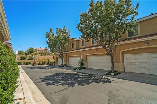 Photo of 25403 Parkwood Lane, Saugus, CA 91350 (MLS # SR21165415)