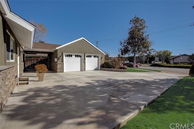 Photo of 947 E Fairway Drive, Orange, CA 92866 (MLS # OC21037415)