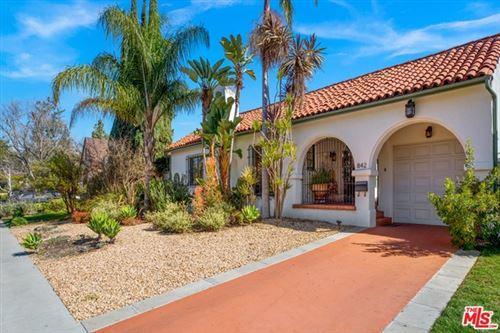 Photo of 842 S Muirfield Road, Los Angeles, CA 90005 (MLS # 21689416)