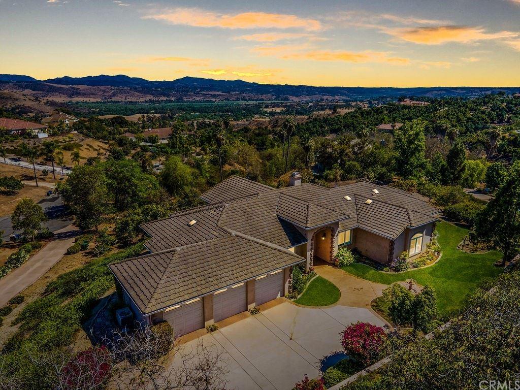 2201 Dos Lomas, Fallbrook, CA 92028 - MLS#: SW21127416