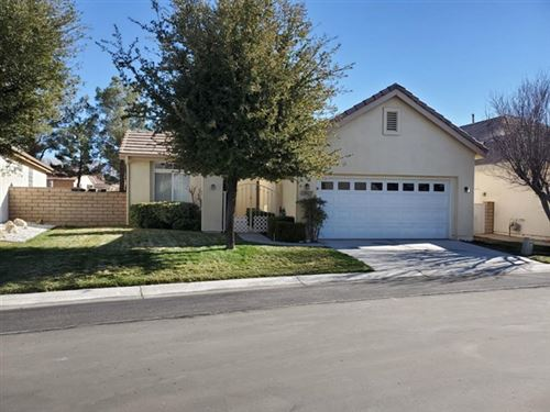 Photo of 19627 Rolling Green Drive, Apple Valley, CA 92308 (MLS # 532417)