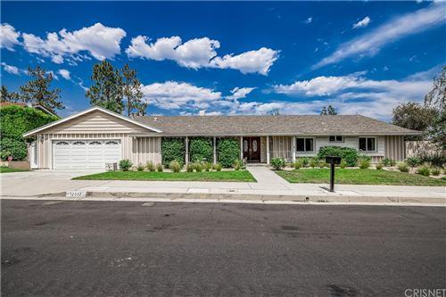 Photo of 12522 Kenny Drive, Granada Hills, CA 91344 (MLS # SR21166417)