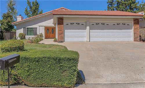 Photo of 21239 Georgetown Drive, Saugus, CA 91350 (MLS # SR21204417)