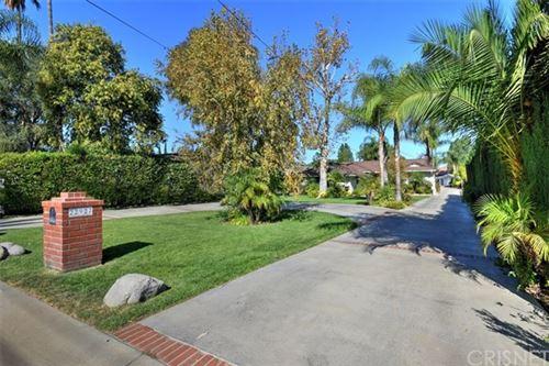 Photo of 22927 Oxnard Street, Woodland Hills, CA 91367 (MLS # SR19259418)