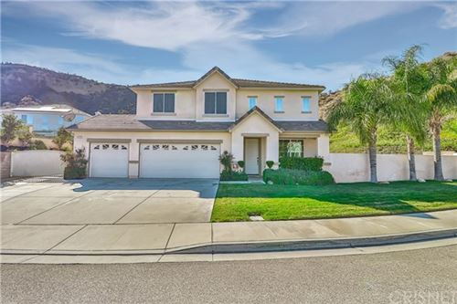 Photo of 31125 Riverdale Place, Castaic, CA 91384 (MLS # SR21022419)