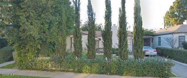 Photo of 5253 Agnes Avenue, Valley Village, CA 91607 (MLS # 221003419)