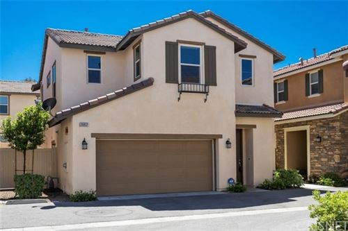 Photo of 26837 Albion Way, Canyon Country, CA 91351 (MLS # SR20084420)