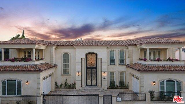 Photo of 2409 Venus Drive, Los Angeles, CA 90046 (MLS # 20665420)