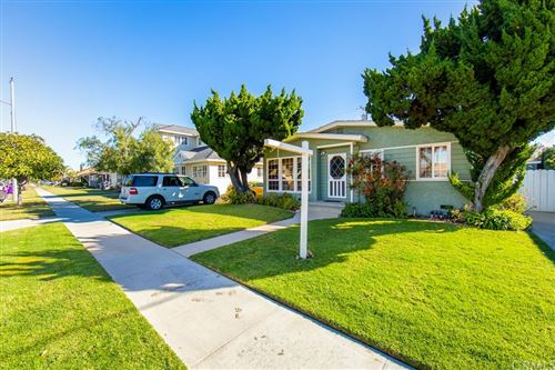 Photo of 3012 San Anseline Avenue, Long Beach, CA 90808 (MLS # RS21232421)