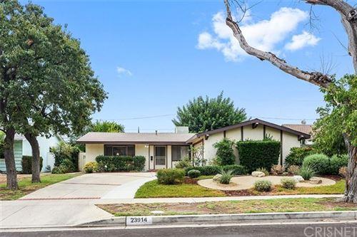 Photo of 23914 Hartland Street, West Hills, CA 91307 (MLS # SR20185421)