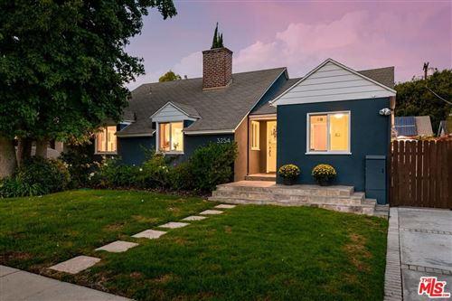 Photo of 3254 Coolidge Avenue, Los Angeles, CA 90066 (MLS # 21782422)