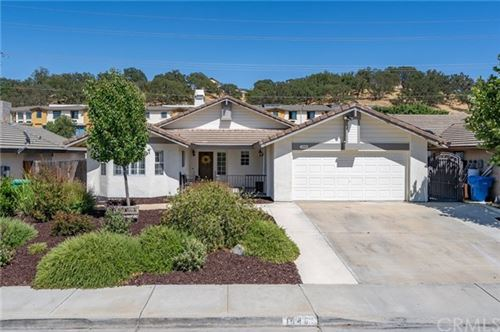 Photo of 1646 Canyon Crest Lane, Paso Robles, CA 93446 (MLS # NS20124422)