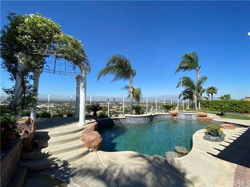 Photo of 950 Via Blairo, Corona, CA 92879 (MLS # OC20227422)