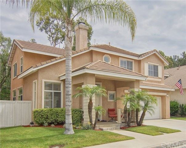 Photo for 15 Carrelage Avenue, Lake Forest, CA 92610 (MLS # OC19177422)