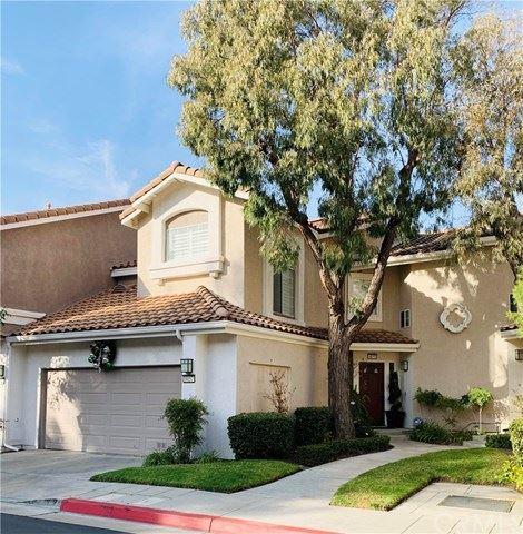 Photo of 8057 E Sandstone Drive, Anaheim Hills, CA 92808 (MLS # OC21001423)