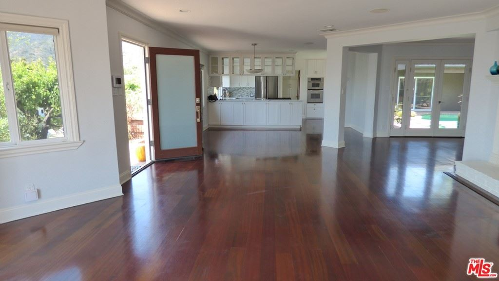 Photo of 204 TRANQUILLO Road, Pacific Palisades, CA 90272 (MLS # 21692424)
