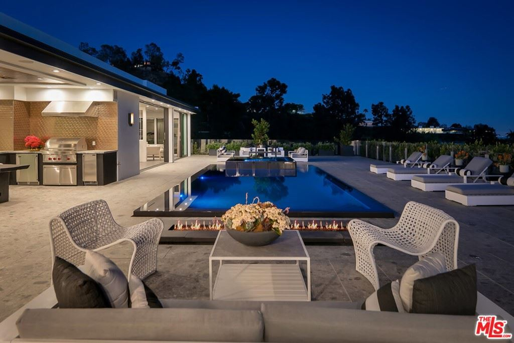 Photo of 535 Chalette Drive, Beverly Hills, CA 90210 (MLS # 21725424)