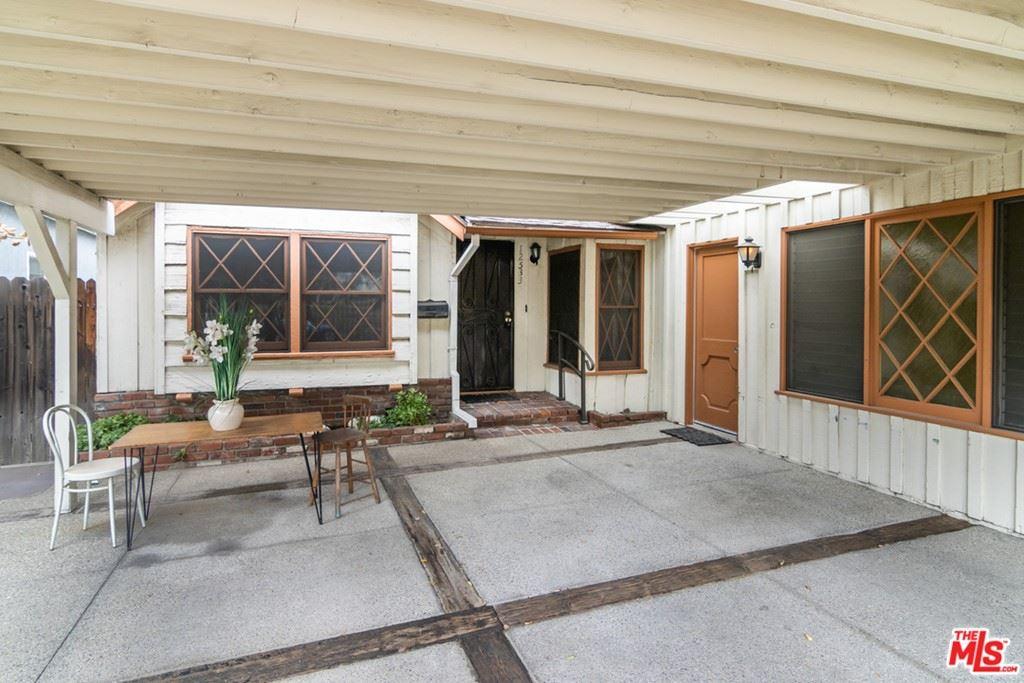 Photo of 12533 Killion Street, Valley Village, CA 91607 (MLS # 21770424)