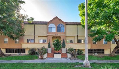 Photo of 11306 Moorpark Street #6, Studio City, CA 91602 (MLS # SR20245425)