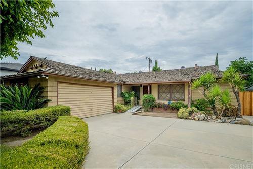 Photo of 5727 Cahill Avenue, Tarzana, CA 91356 (MLS # SR21161425)