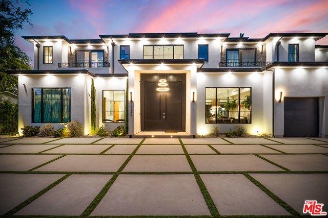 Photo of 19345 Collier Street, Tarzana, CA 91356 (MLS # 21715426)