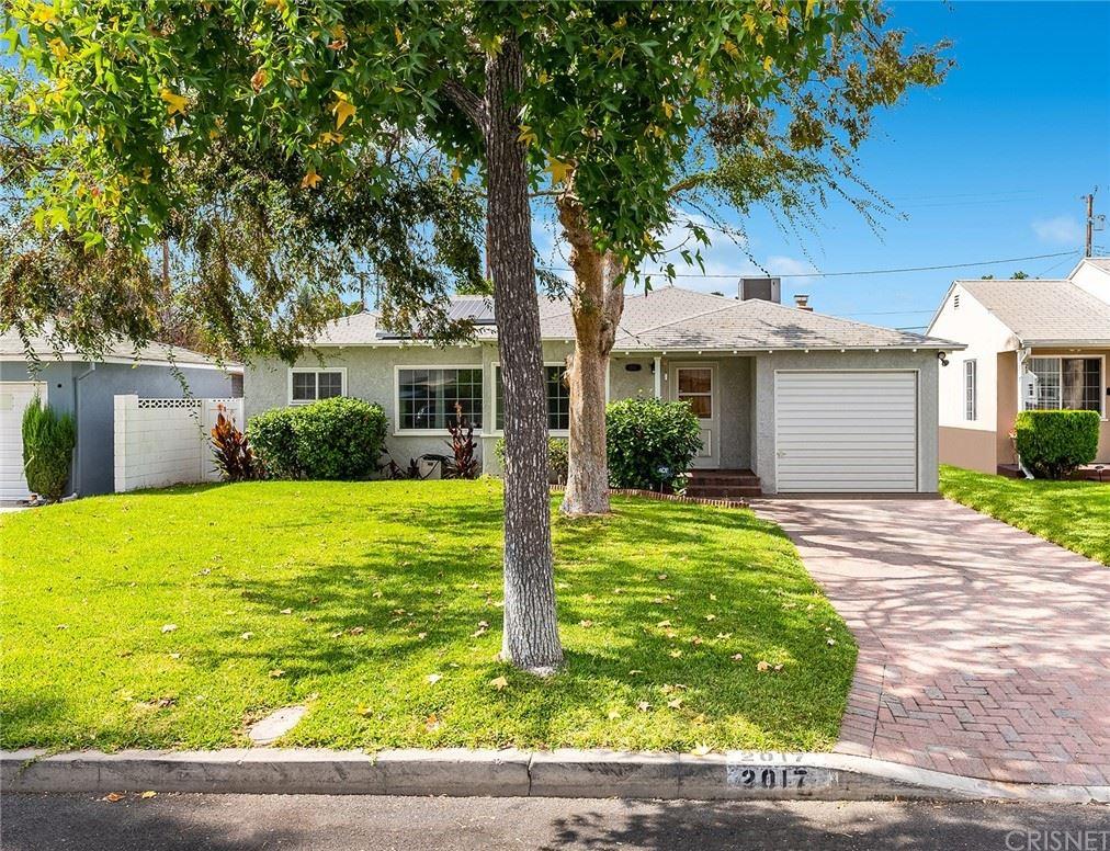 Photo of 2017 N Kenwood Street, Burbank, CA 91505 (MLS # SR21227426)