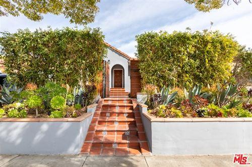 Photo of 516 N Mansfield Avenue, Los Angeles, CA 90036 (MLS # 21692428)