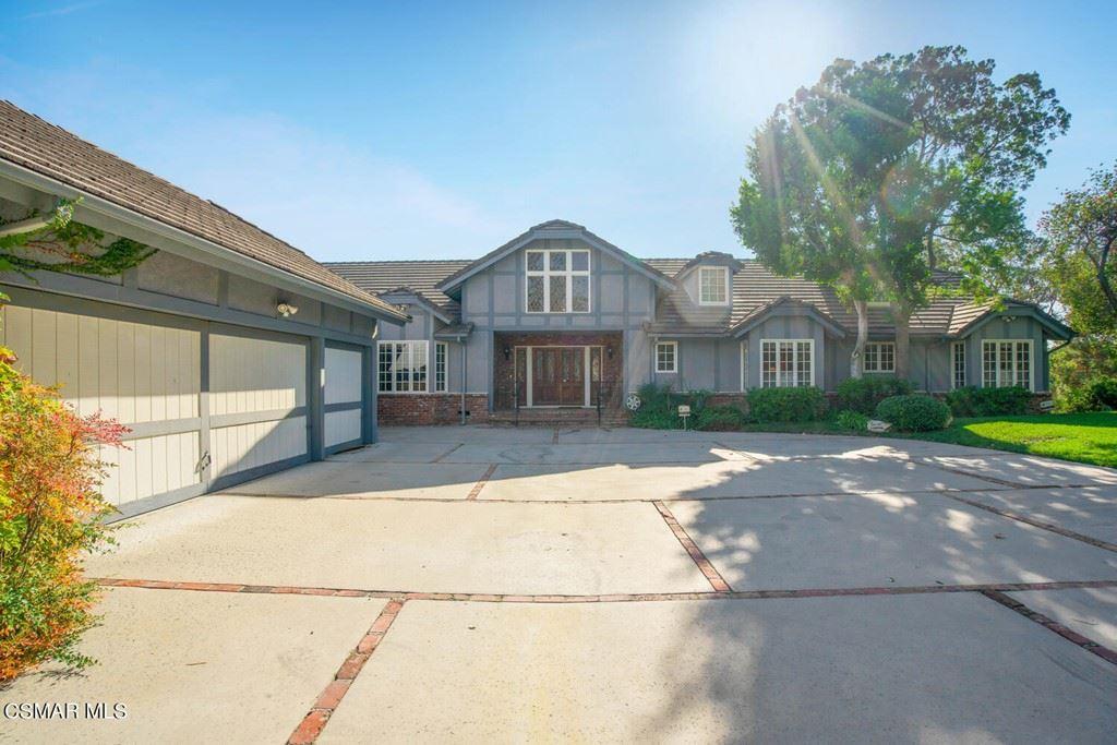 Photo of 12300 Hagen Place, Granada Hills, CA 91344 (MLS # 221005428)