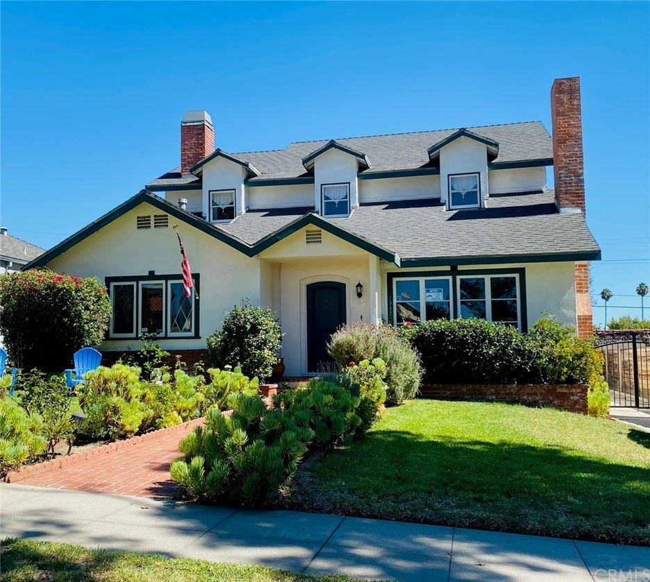 Photo of 1332 Spazier Avenue, Glendale, CA 91201 (MLS # CV21209428)