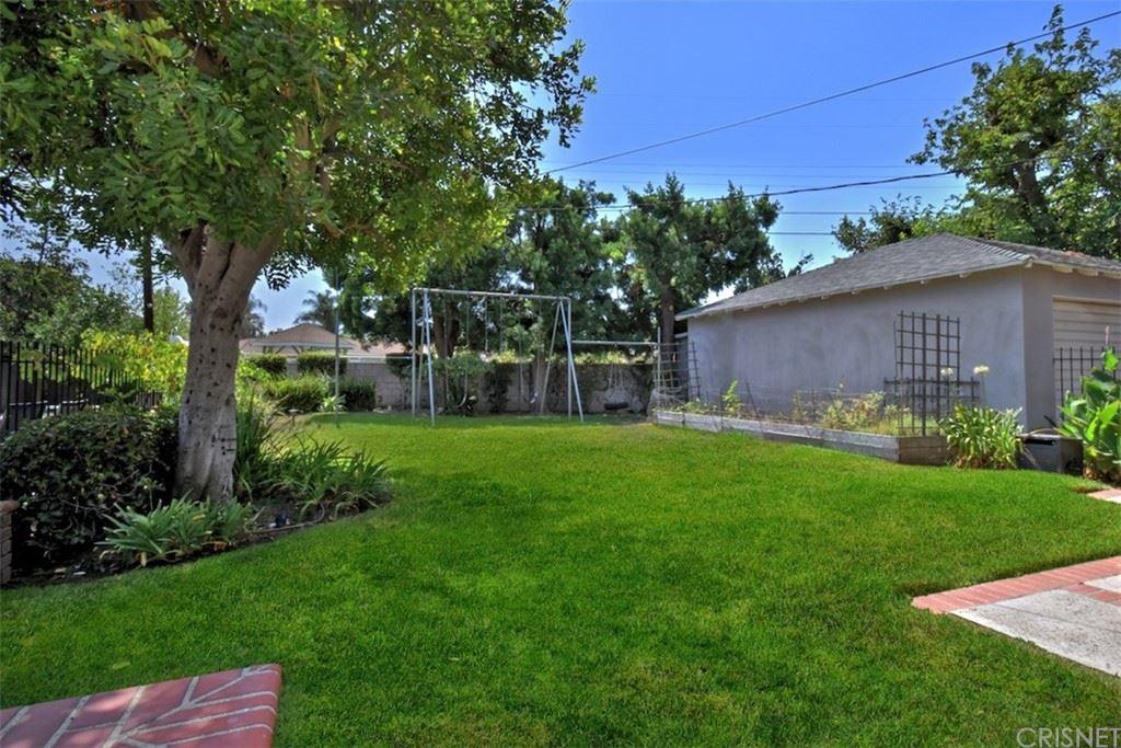Photo of 13440 Tiara Street, Valley Glen, CA 91401 (MLS # SR21201428)