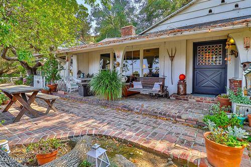 Photo of 3583 Woodhill Canyon Road, Studio City, CA 91604 (MLS # 221005429)