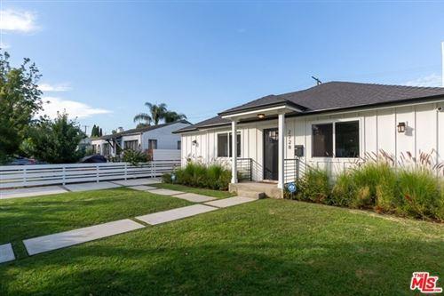 Photo of 2728 S Barrington Avenue, Los Angeles, CA 90064 (MLS # 20607430)