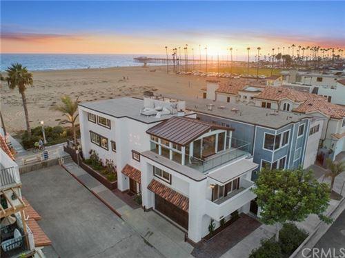 Photo of 1025 E Balboa Boulevard, Newport Beach, CA 92661 (MLS # NP20242430)