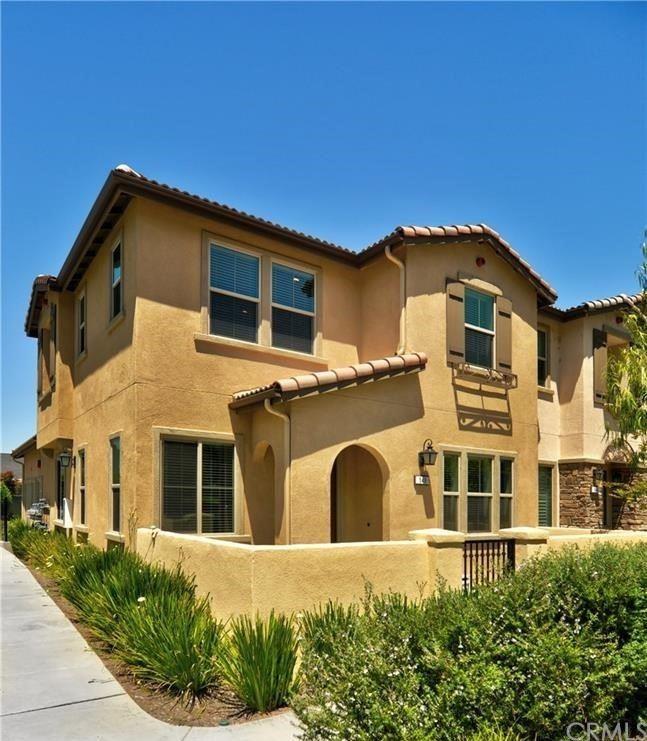 Photo of 148 S Auburn Heights Lane, Anaheim Hills, CA 92807 (MLS # OC21157430)